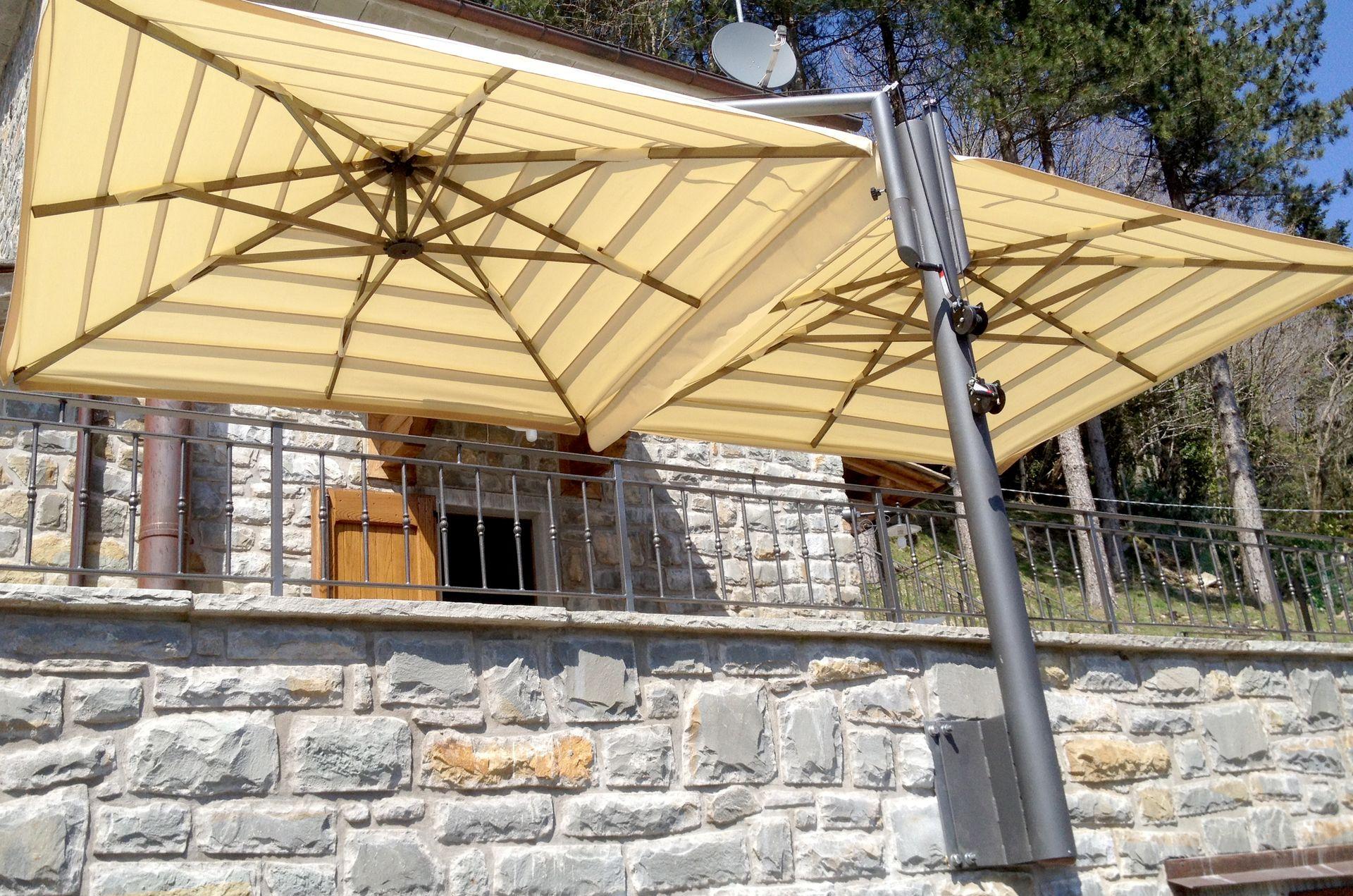 gemelli-steel-double-patio-umbrella-19