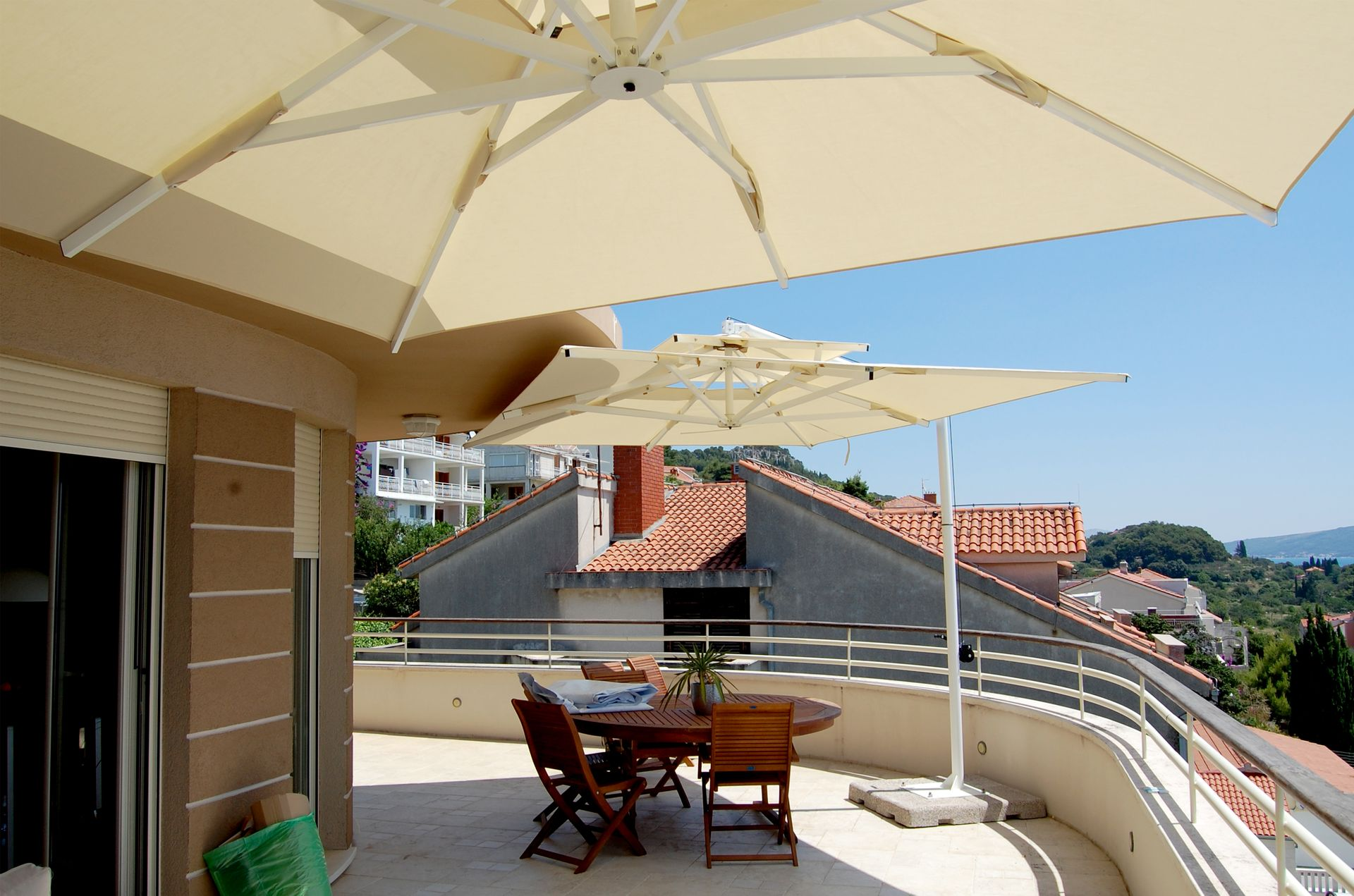 talento-steel-wall-mounted-umbrella-3